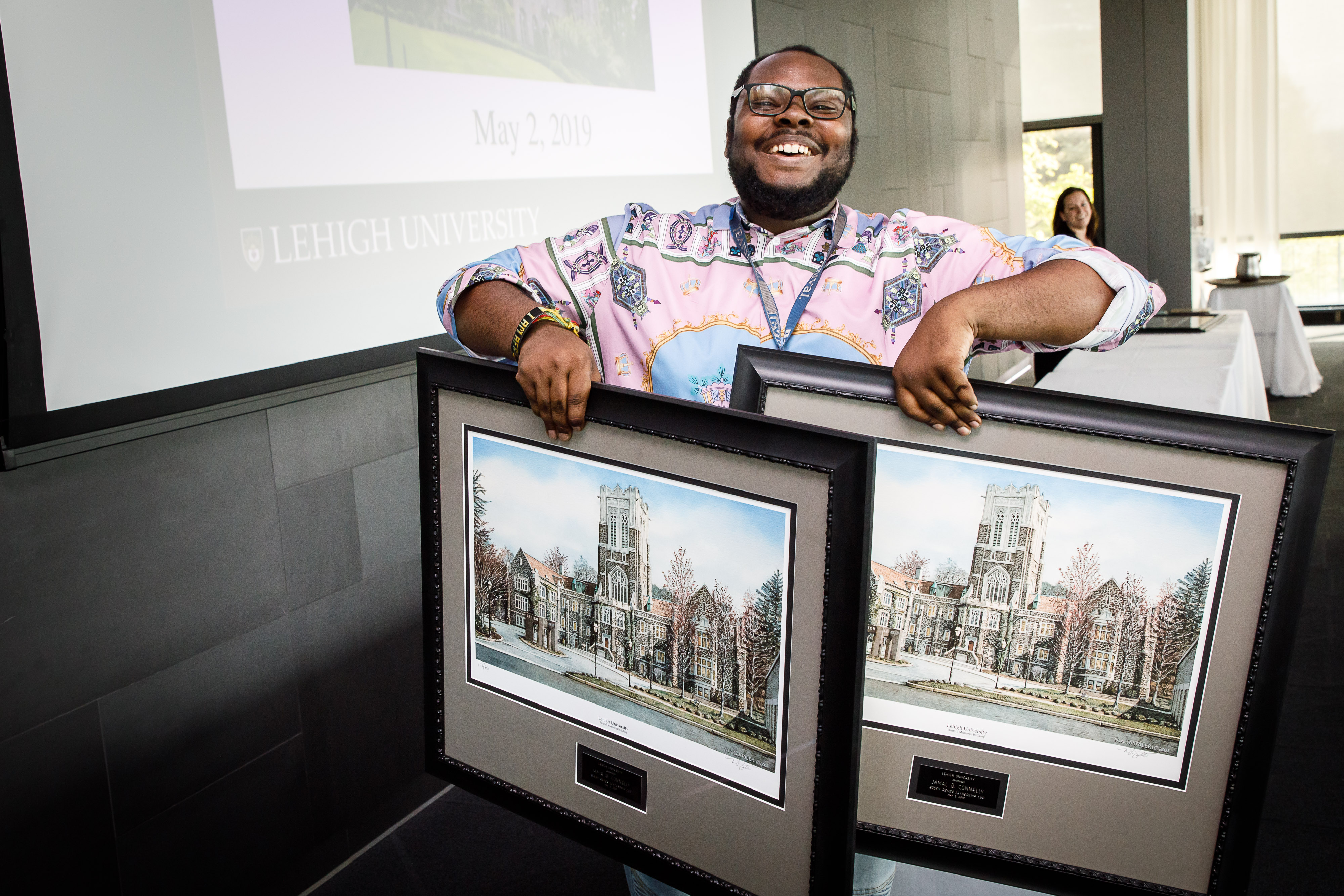 2019 Winner with framed photo awards