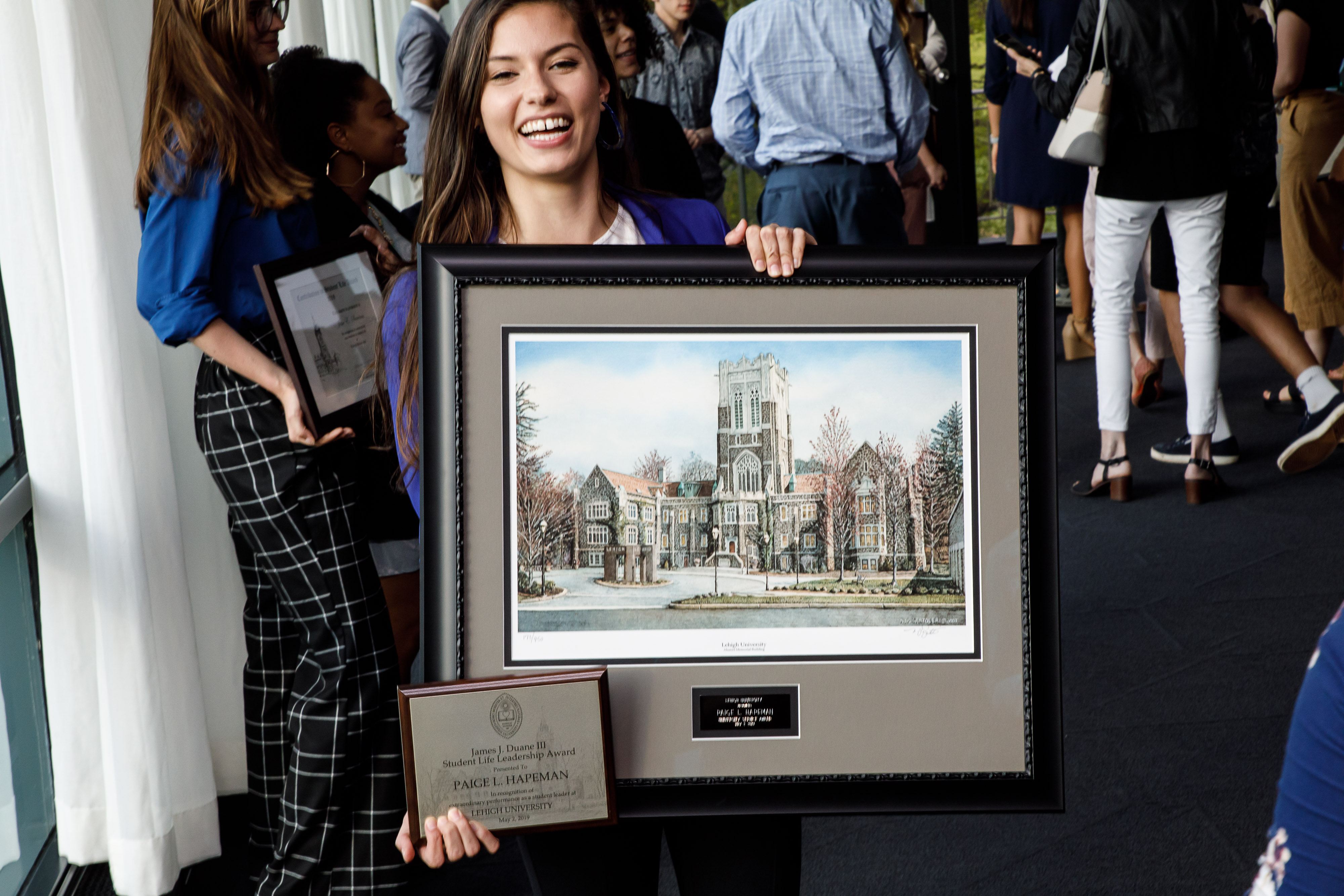 2019 winner with framed photo award
